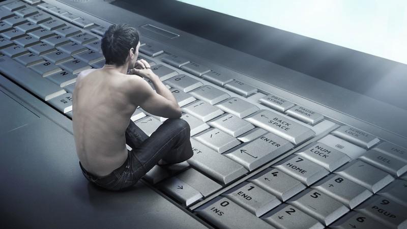 чудене пред компютъра